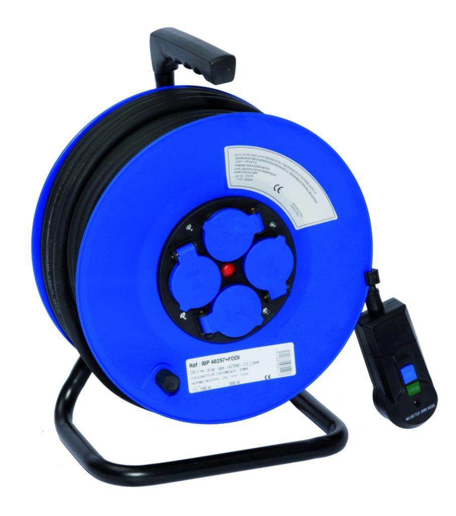 Enrouleur prolongateur s rie ibp c ble ho7 rn f avec for Electricite exterieur cable