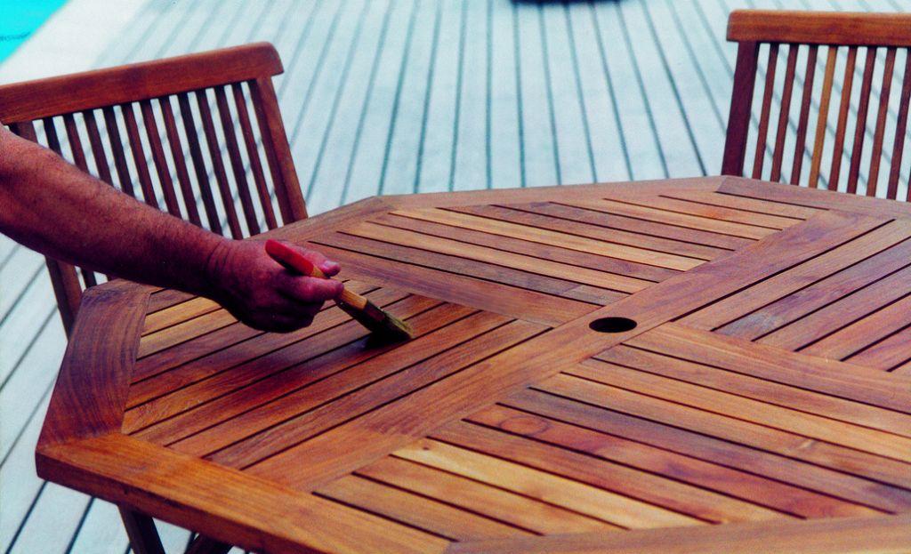 saturateur ambr pour bois exotiques. Black Bedroom Furniture Sets. Home Design Ideas