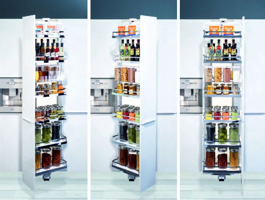 Agencement de cuisine armoire coulissante dispensa swing for Agencement de cuisine 2300