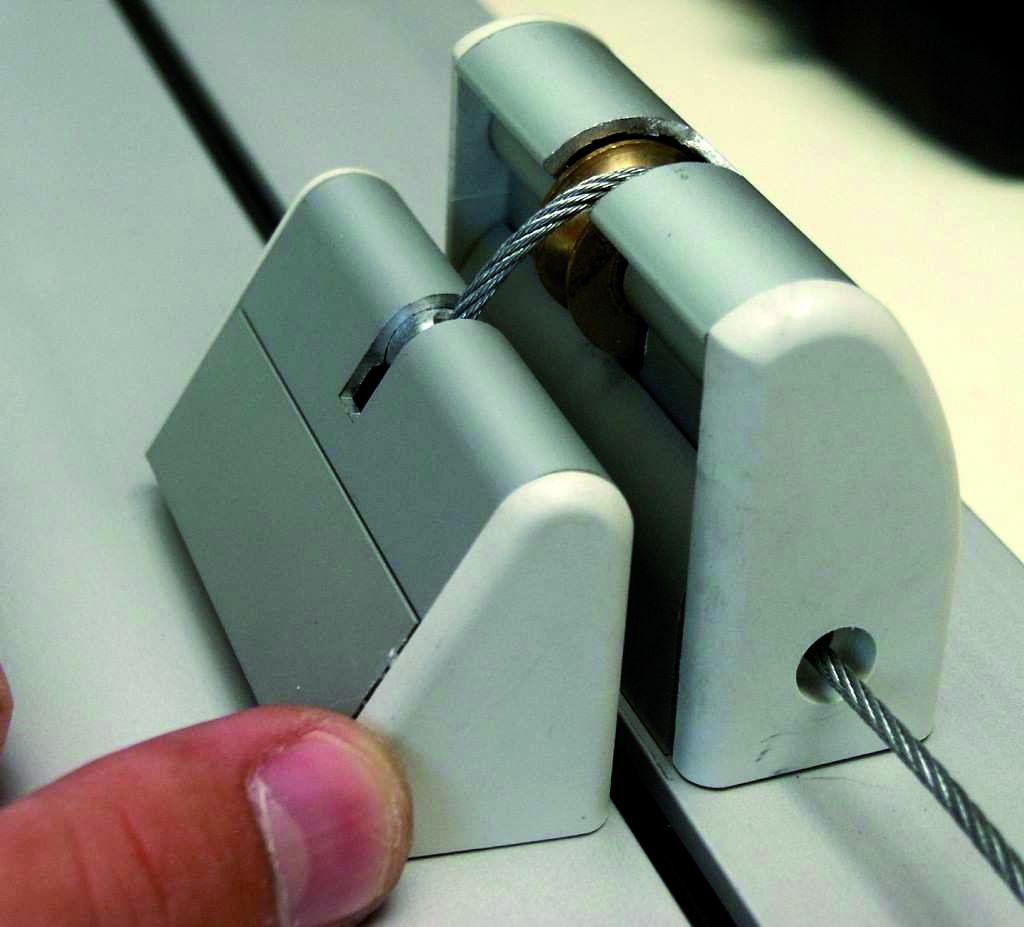 Chape - récepteur - relais de dérivation