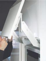 Ferrure de porte relevante EWIVA avec barre de synchronisation séparée