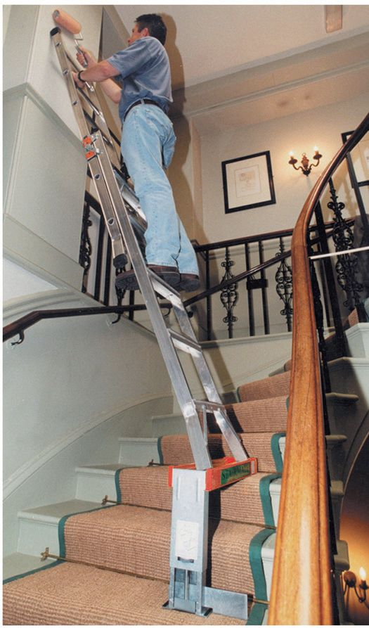 Support chelle pour escalier - Location echafaudage escalier ...
